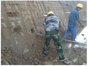 北京专业打桩加固/护坡桩加固/微型钢管桩施工