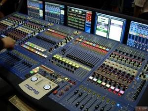 专业回收舞台灯光音响北京二手音响音响灯光设备家庭组合音响