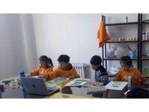 美术启蒙班和创意班