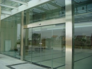 大兴生物医药基地维修玻璃门安装门禁玻璃门