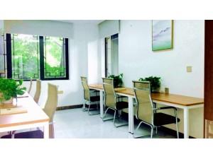曹路60平米办公室,精装配家具,可注册组合,多间