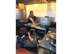 饭店燃气灶维修,厨房设备维修安装