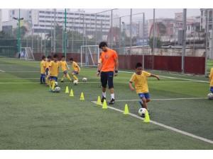 东莞市哪里有足球训练营参加