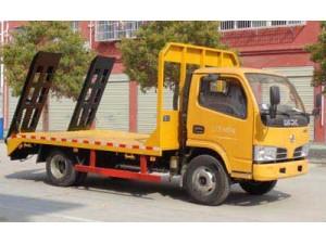 东风小多利卡挖机平板运输车可上蓝牌平板运输车