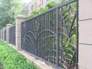 天津市钢结构别墅铁艺围栏、车库门定制安装