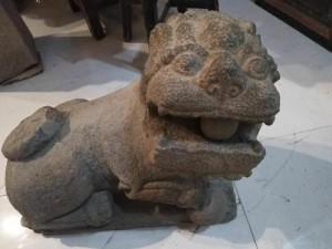 老式石头石雕回收老石狮子老式鱼缸各种古式及仿古硬木家具