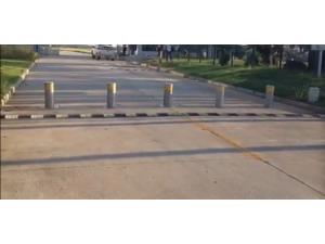 不锈钢全自动升降路桩电动防冲撞伸缩地柱遥控反恐液压路障阻车器