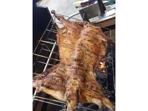 烤全羊烤乳猪