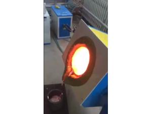 熔铝炉中频熔铝炉小型熔铝炉生产厂家告诉你哪里有卖