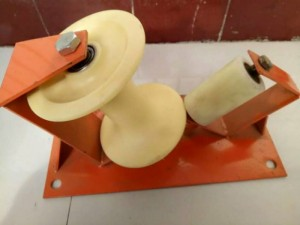 电缆放线滑轮,挂钩吊轮三联井口滑轮组地缆管口转角直跑滑车尼龙
