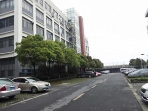 松江工业区6800元平方货梯电梯50年104出售