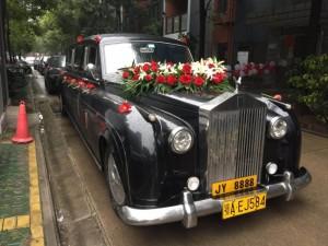 浪漫婚礼少不了豪车相伴,京源出租古斯特,老爷车
