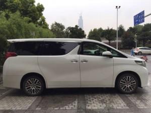 武汉商务车埃尔法出租可带十年驾龄司机