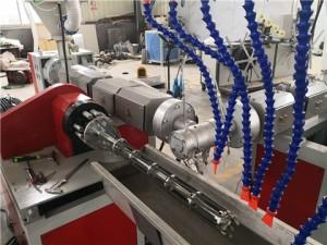 加筋管生产线设备