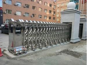 南开区供应电动伸缩门不锈钢伸缩门智能道闸安装厂家