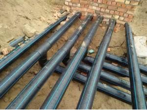 各种口径PE塑料管道对接电熔安装抢修24小时服务