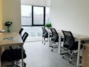 地铁口,写字楼30至100平办公室出租,即租即用,带家私