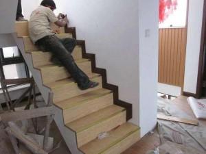 招收铺贴木地板安装学徒工