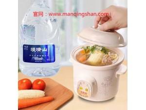 漫清山天然苏打水天然弱碱性水符合人体营养需要的健康水招商加盟