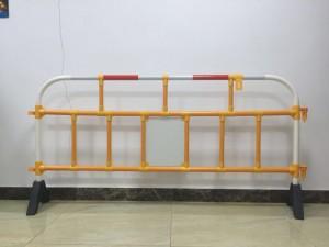 深圳塑料护栏 厂家直销 铁马护栏按米算价格