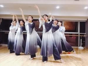 陕西专业民族舞社会零基础成人培训班
