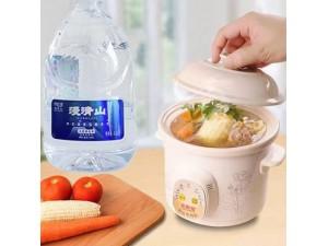 健康天然弱碱性水漫清山天然苏打水大力招加盟商