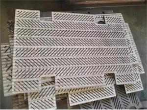 合金耐磨板  堆焊耐磨钢板  向上金品耐磨板了解一下