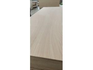 杨木包装木箱板桃花芯多层板 定尺异形胶合板