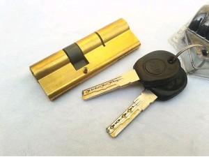 汽博中心开锁换锁芯,重庆金童路开锁换锁,汽博中心开保险柜锁