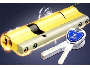 人和开锁人和换锁芯人和修门人和安装出售密码锁人和修门改门