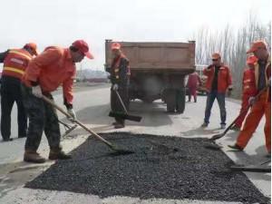 联诚道路沥青冷补料修补专治道路坑槽