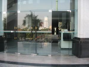 北京牛街专业安装自动门