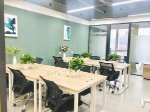 10至100平办公室,精装带家具,能短租,免水电费。