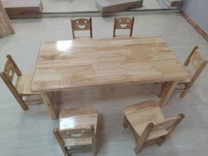 江西厂家供应儿童木质桌椅